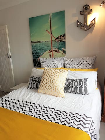 1 R one bedroom studio, indoor braai facilities