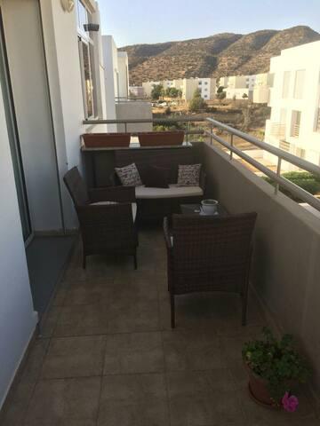 Imi ouaddar appartement met uitzicht