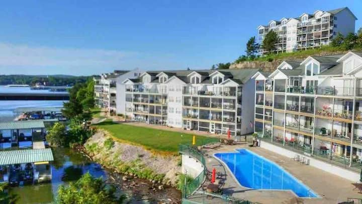Entire Lake of the Ozarks Condo with a view