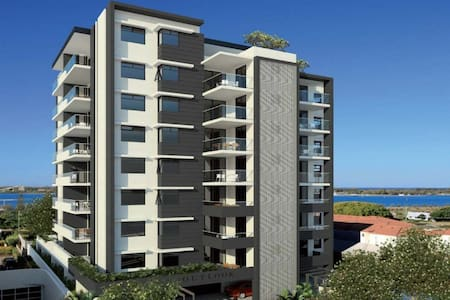 Outlook Apartment with Great View - Southport - Daire