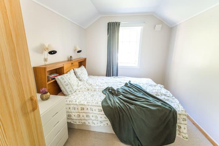 Second floor, double bed, bedroom 5
