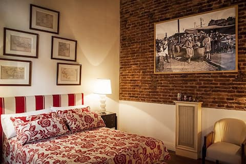 Bed & Breakfast: 18th Century House