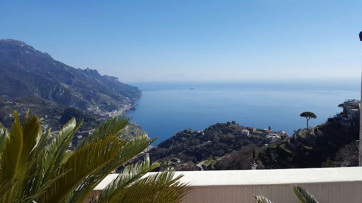 Amazing seaview, close to the centre of Ravello!