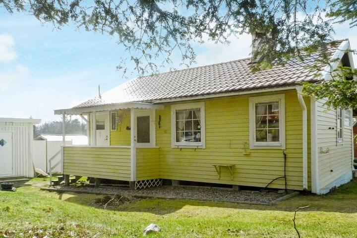 6 person holiday home in BRASTAD