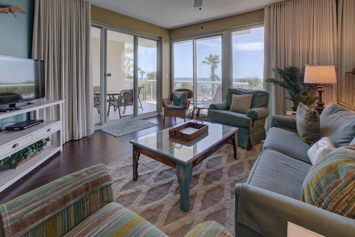 Beautiful 2nd Floor Condo! Gulf View, Great Amenities, Beach Access!