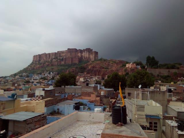 Shyam Palace Homely stay @ Blue City
