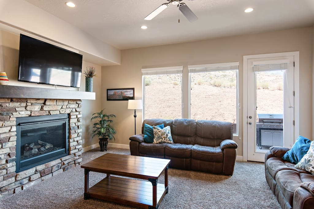 Living room with fireplace/TV and seating for 8