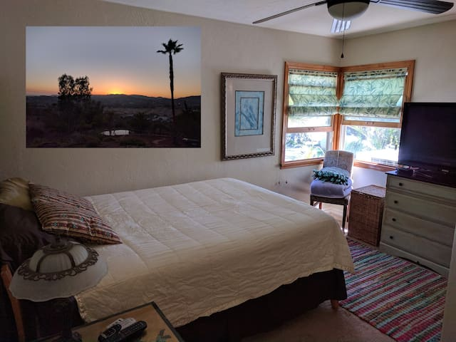 Nice Private Room & Private Bath North Escondido
