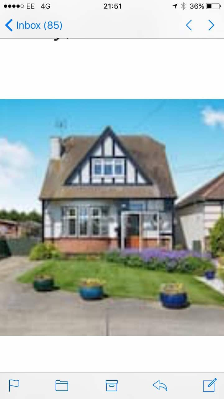 Southend Airport Bed and Breakfast