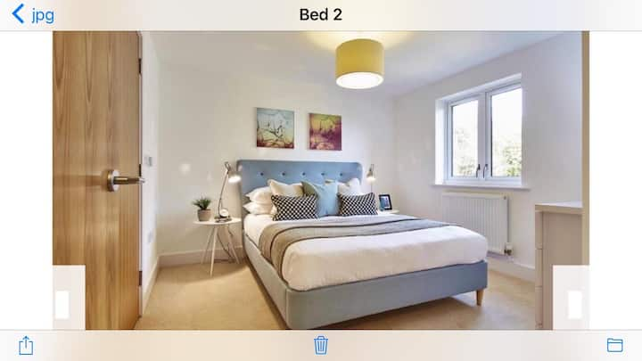 Guest bedroom, en suite bathroom & self catering.