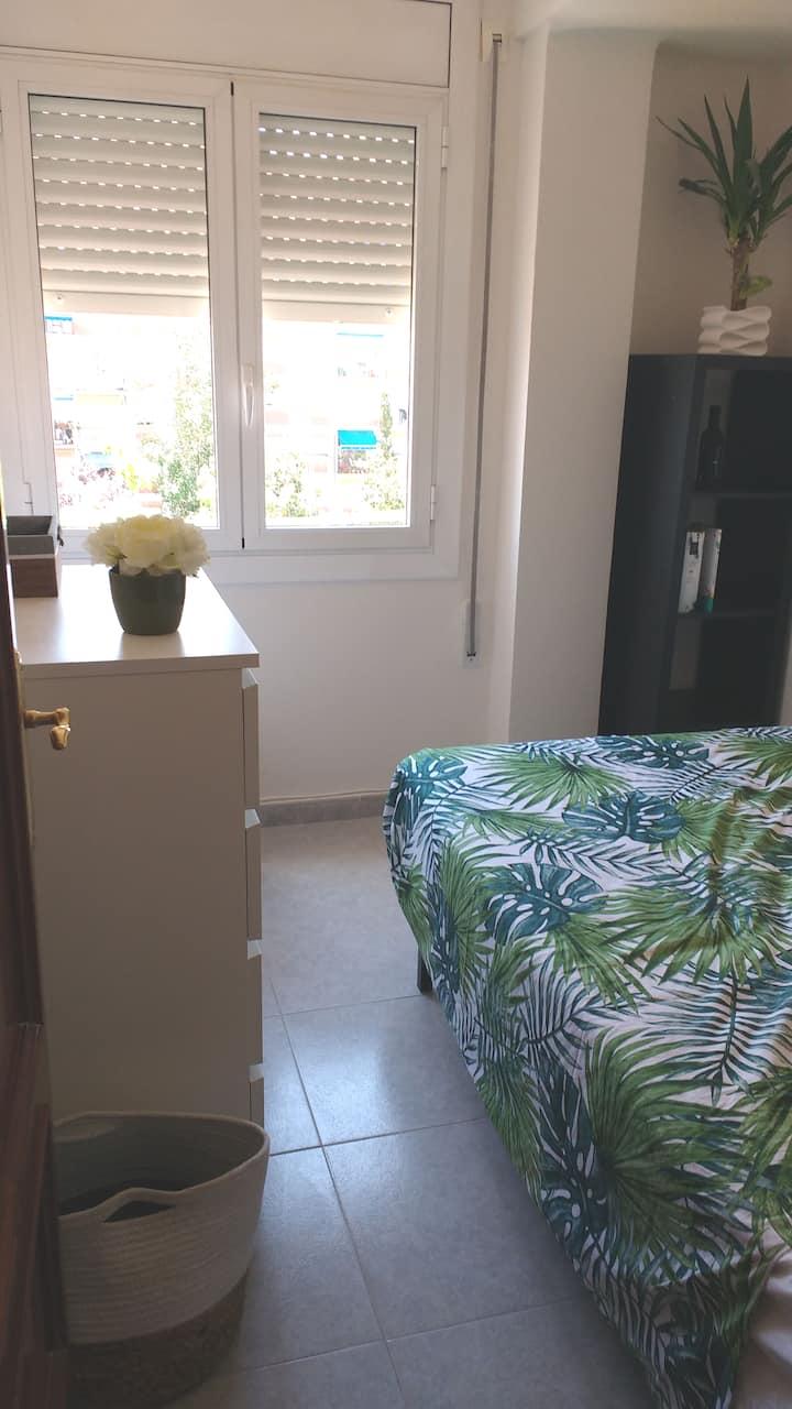 Apartamento acogedor,  playa y Port Aventura a 8km