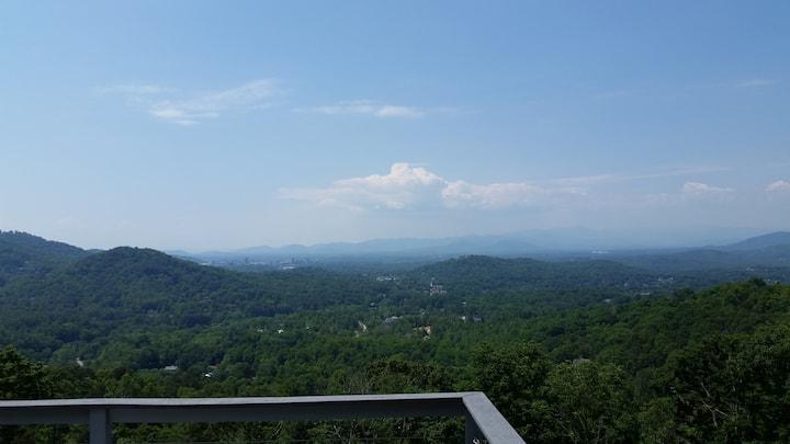 Mountain Views, Private Retreat, 15 min frm dwntwn