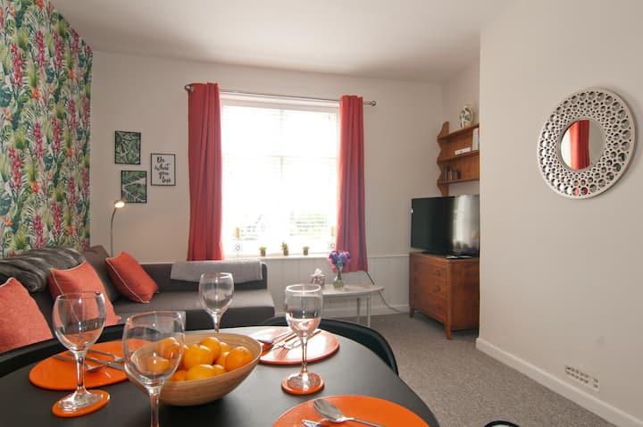 The Ventnor Nook - Flexible Apartment with Views