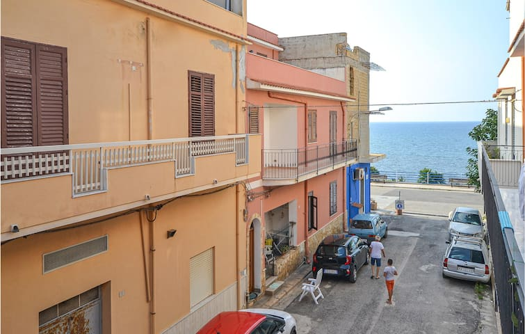 Holiday apartment with 2 bedrooms on 75m² in Trappeto