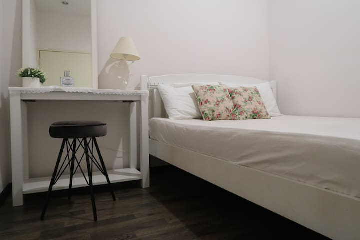Budget Heritage Hostel - double bed