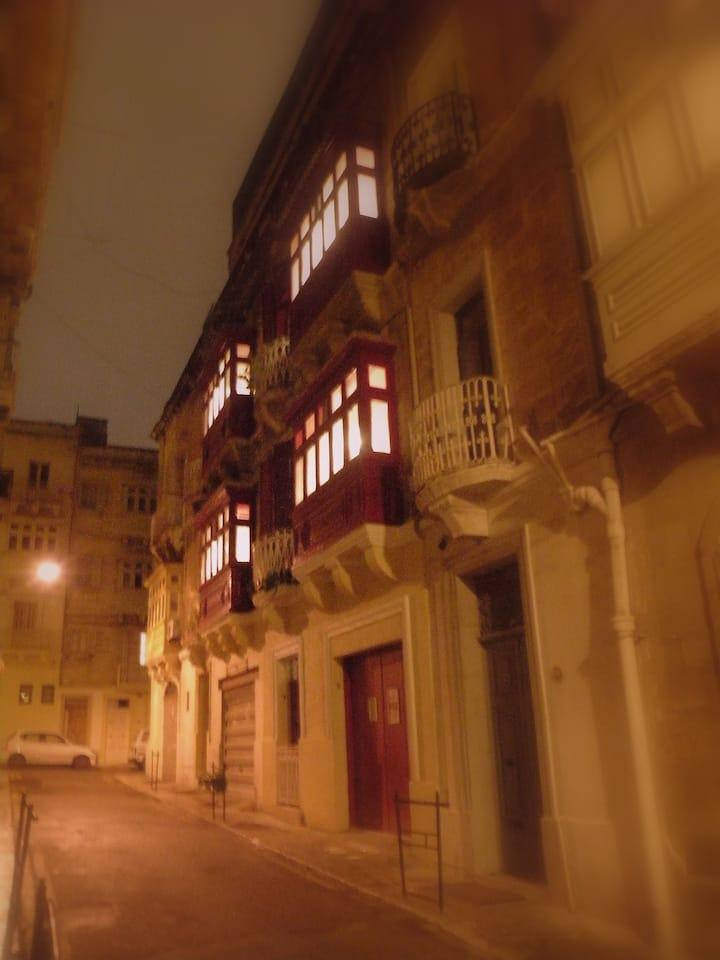 Residence Rouge™ 1  Floriana Valletta.