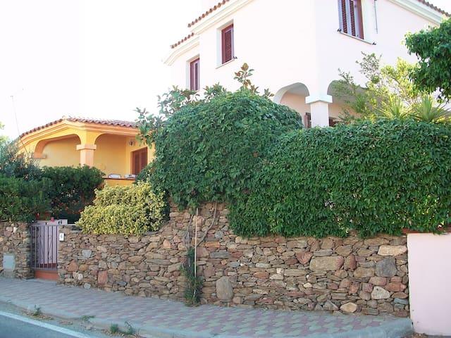 Appartamento in Villa indipendente - Tanaunella - Apartemen