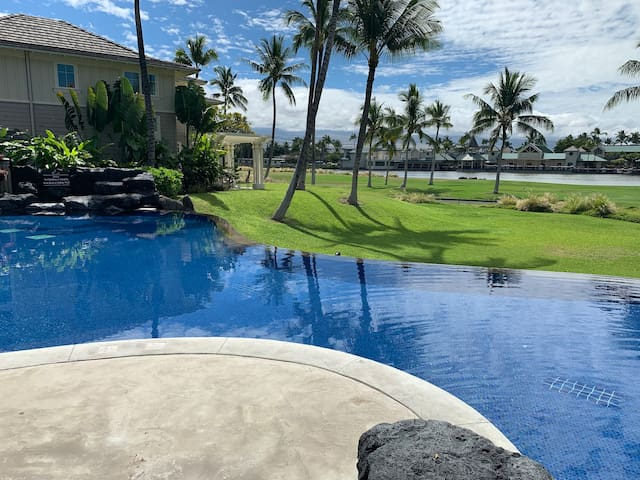 Escape 2/2+Loft shops,beach, relax! (Hale Wailana)