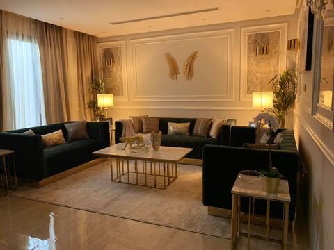 Luxury Apartment, شقة فخمة في حي الرائد