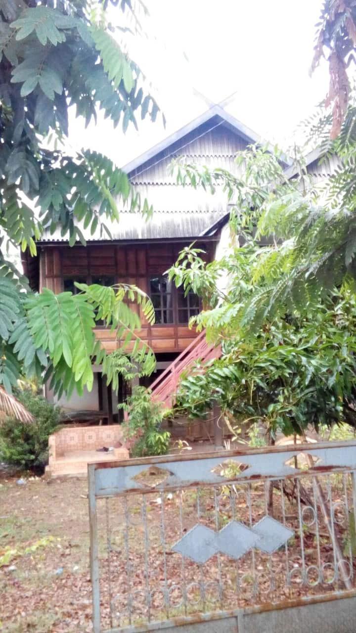 Rumah Panggung Bugis