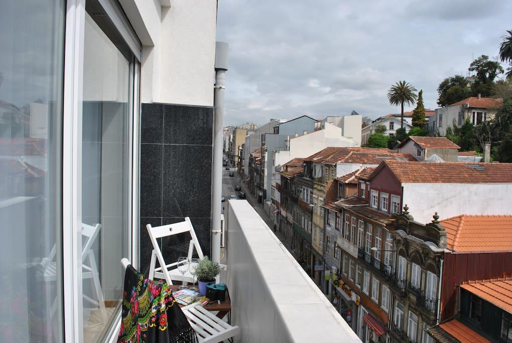 Varanda com vista da cidade