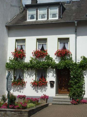 Ferienhaus Marlene - Osann-Monzel - Dom
