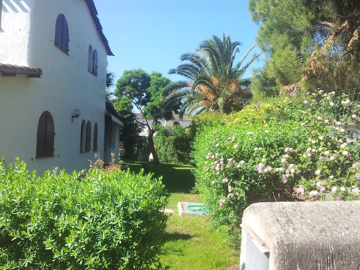 The house of flowers.Vicino al mare