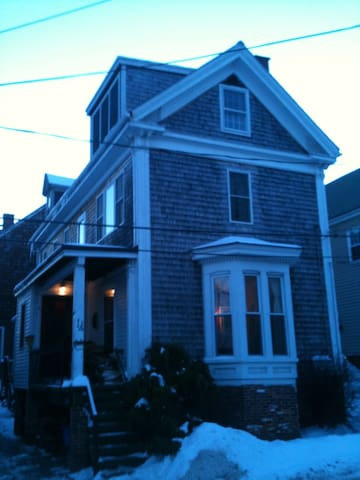 2 bedrooms 2.5 baths old charm - Portland - Maison