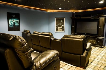 Cute Home near Mountains w/ Home Theater Room
