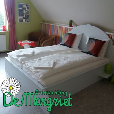 Overnachting de Margriet  -grote kamer