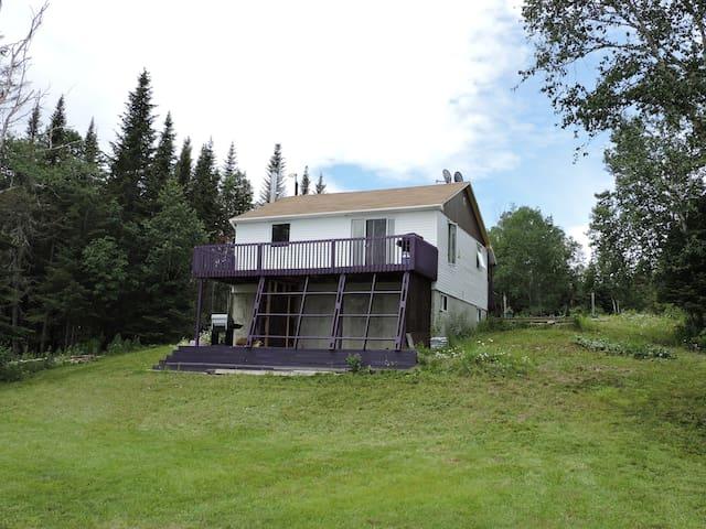 Maison avec vue à seulement 10 minutes du Bic