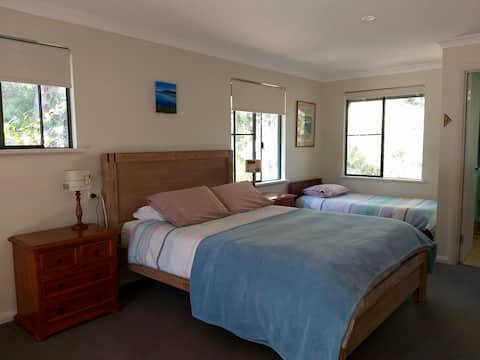Prevelly Guest Rooms, 200m walk to beach.