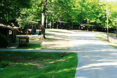 Scenic 2 bedroom cabins on Lake - Williamsville