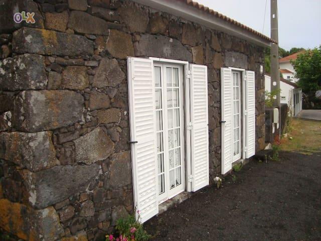 Casa de Pedra - Lages do Pico / Pico Island - Daire