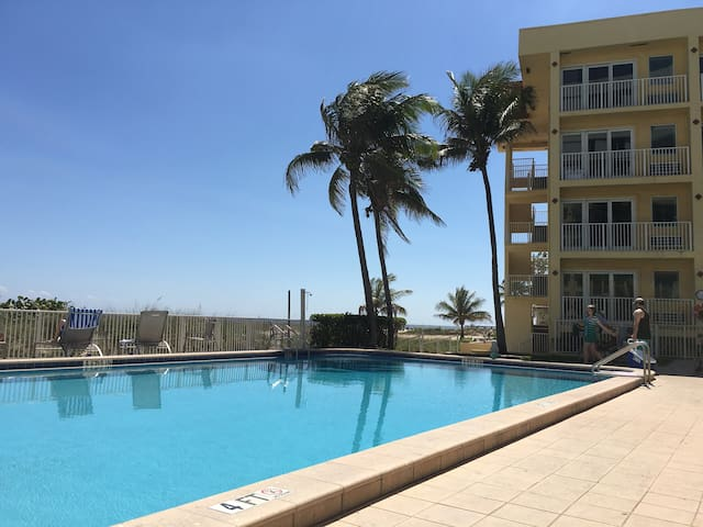 3 swimming pools, including one on the beach