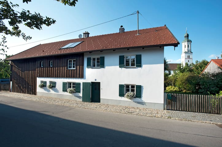 Apartment in traditional farmhouse in Weilheim