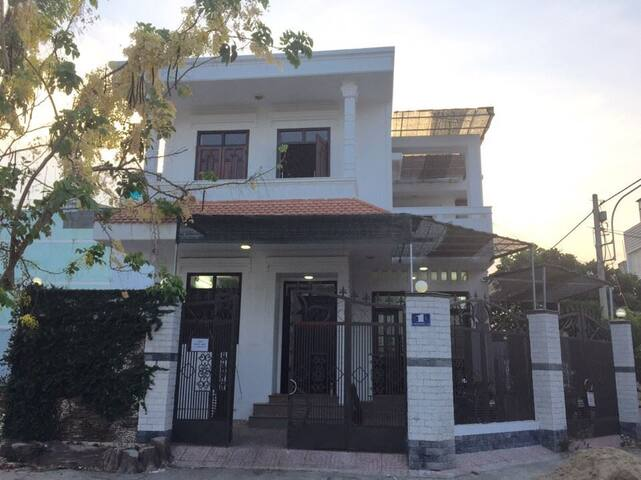 Villa Saigon District 8 for lease