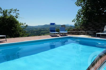 Country villa with view, pool, WIFI - Sassoferrato