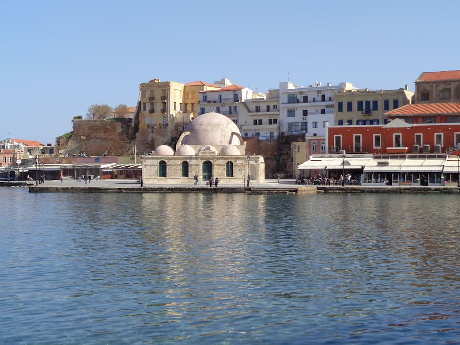 the old harbor, 15'-walk away