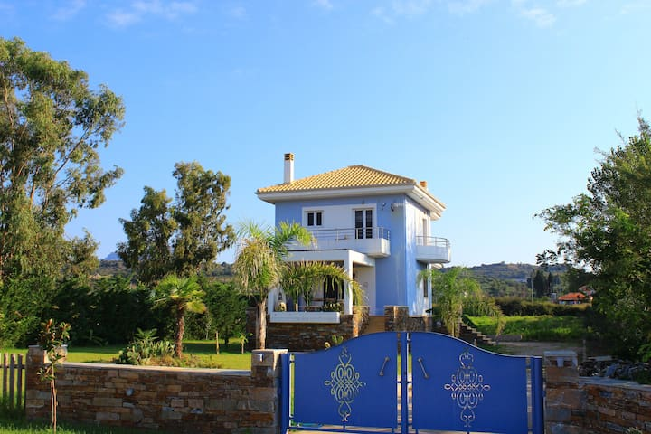 "Seaside Luxury Home ""Adrianos Villa"" - Preveza - Willa"