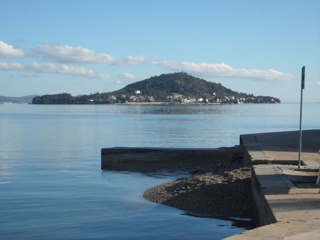 Island Ošljak located between the island of Ugljan and the mainland south of Zadar.