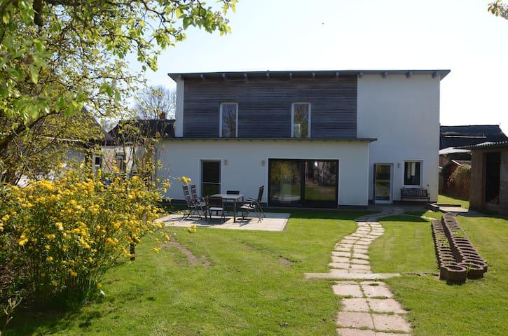 Ferienwohnung Gartenidyll - Altefähr - 公寓