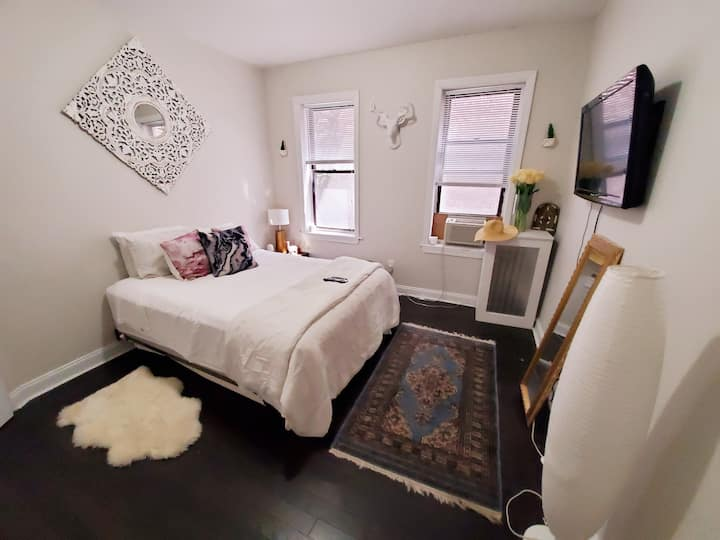 🌍 Airey Chic Private Room Close to EWR and NYC