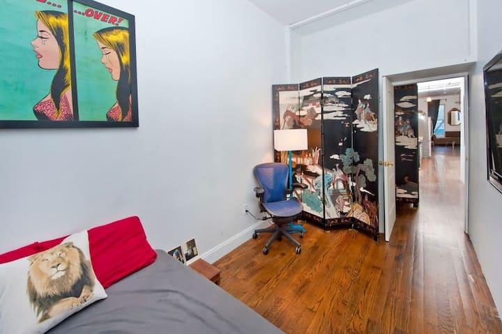 Soho Private Bedroom Bedroom 1300 sqft. Loft