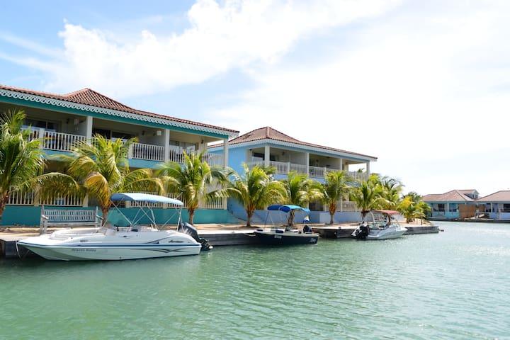 Bonaire Ocean Breeze Apartments - Kralendijk