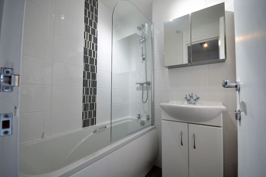 Bathroom (shared between two rooms)
