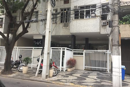 Apartamento com excelente localização em Icarai - Niterói