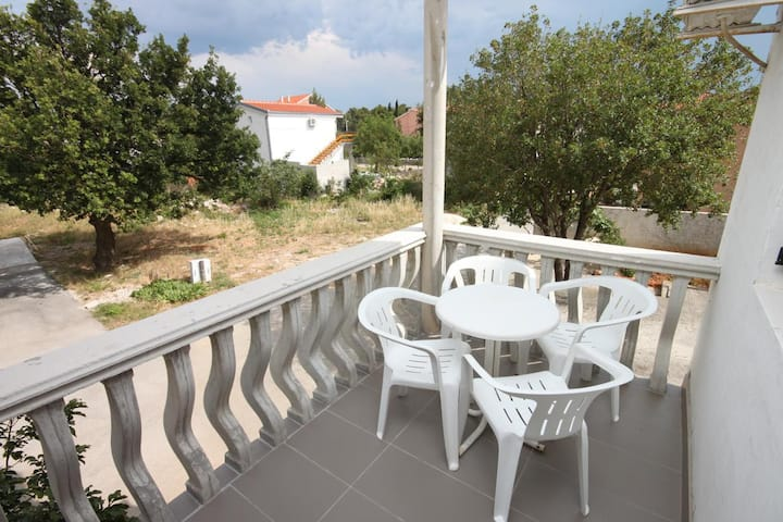 One bedroom apartment with terrace Starigrad, Paklenica (A-6618-b)