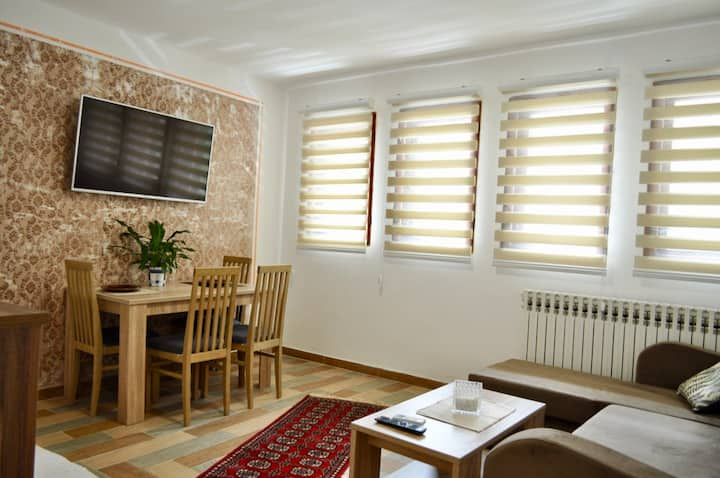 Warm and modern apt at BAŠČARŠIJA+FREE PARKING