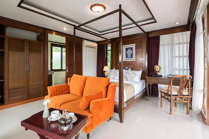 Luxury boutique : Lake Suite @Chinocollection